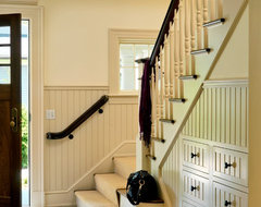 Graceful Gambrel traditional entry