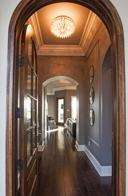 Example of a trendy entryway design in New Orleans