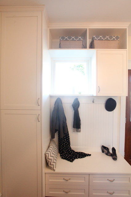 Granview/Woodland - Mud Room transitional-entry