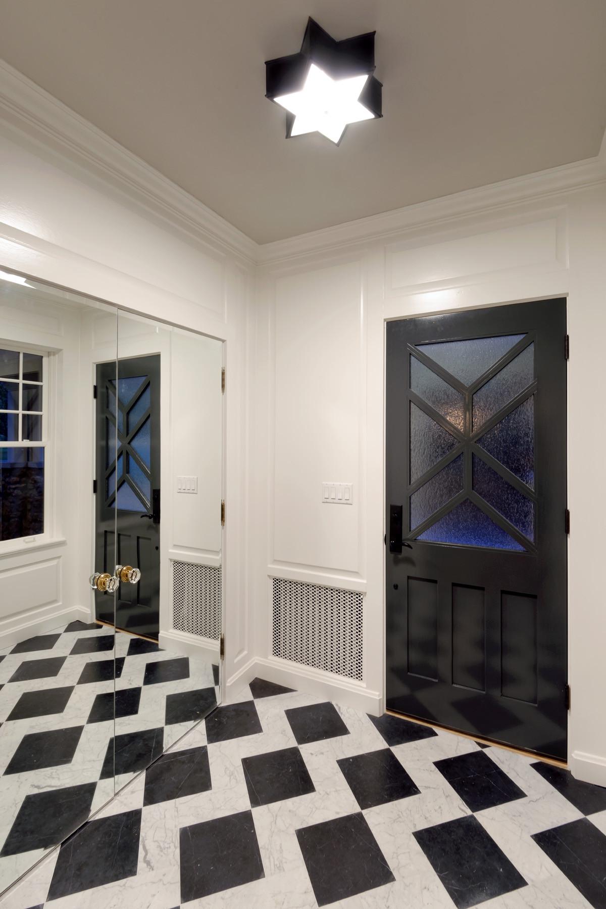 Graphic Foyer