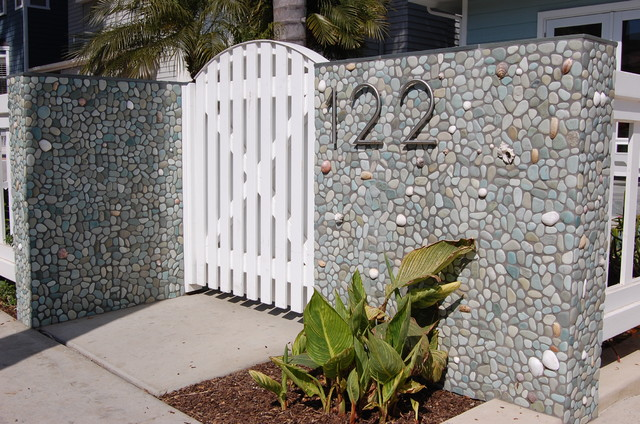 Green Outdoor Pebble Tile Wall Modern Entry