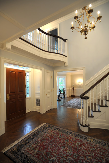 Greenwich Colonial traditional-entry