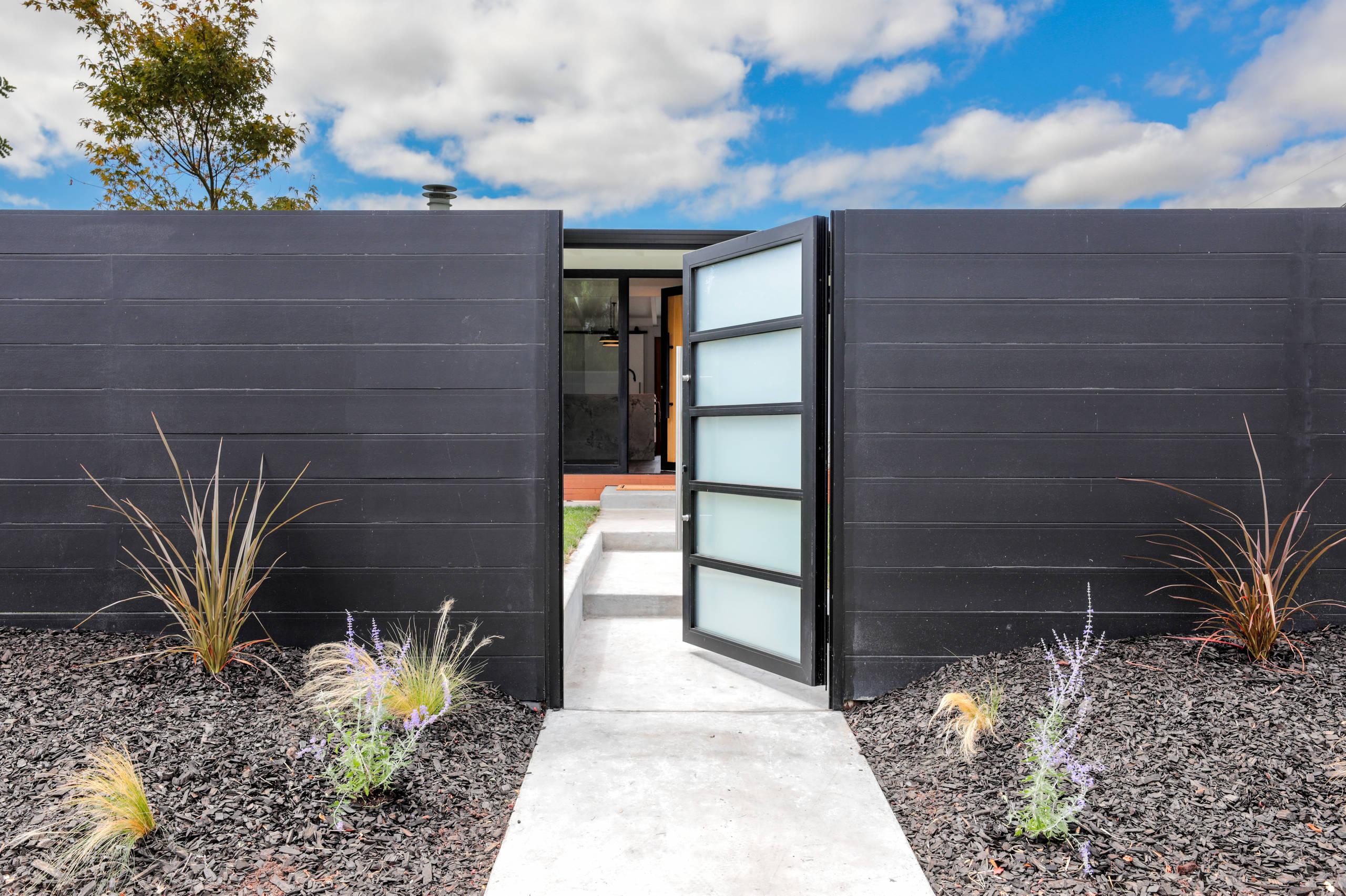 75 Beautiful Modern Front Door Pictures Ideas December 2020 Houzz