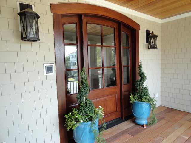 Harbor Waterfront Home traditional-entry