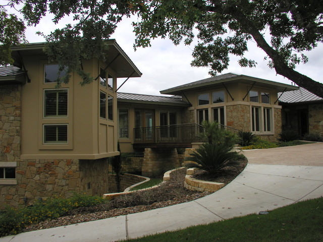 Hill country residence canyon lake texas contemporary for Hill country contemporary house plans