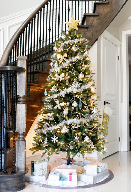 Holiday Decor transitional-entry