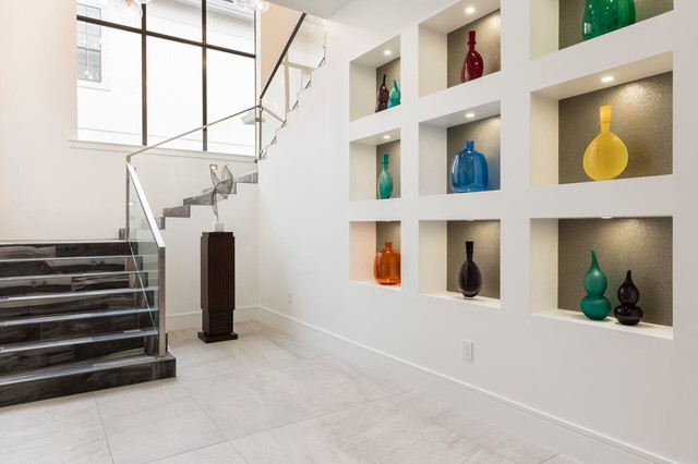 Inspiration for a contemporary entryway remodel in Orlando