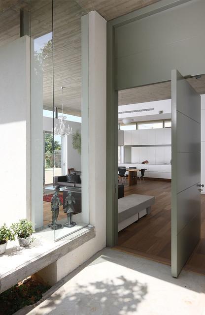 house A modern-entry