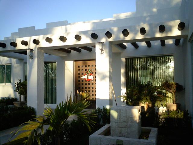 Housing contemporary-entry