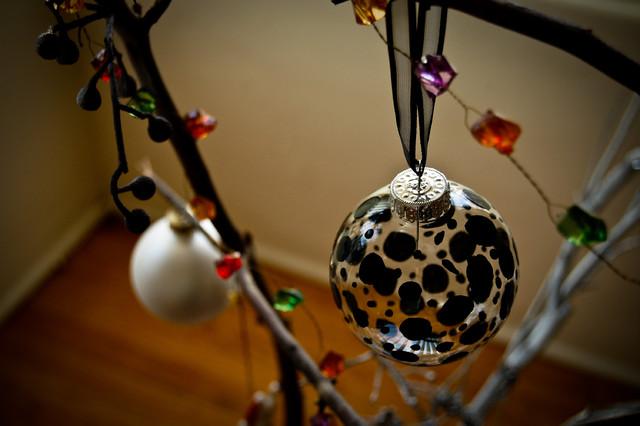 Innovative Christmas Tree contemporary-entry