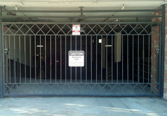 Charmant Iron Security Garage Gate Modern Entry