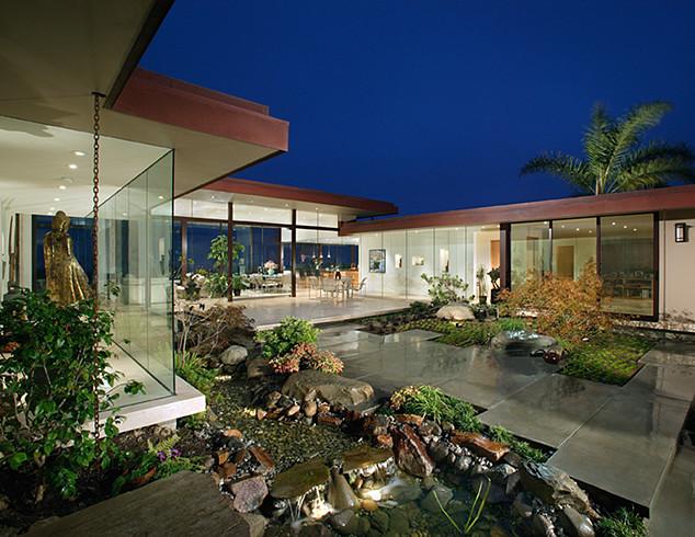 Irvine Terrace Residence modern-entry