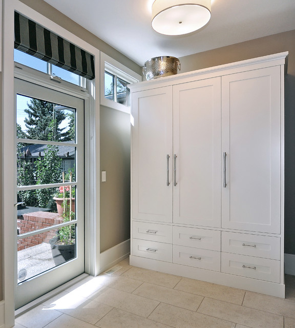 Johnson & Associates Interior Design transitional-entry