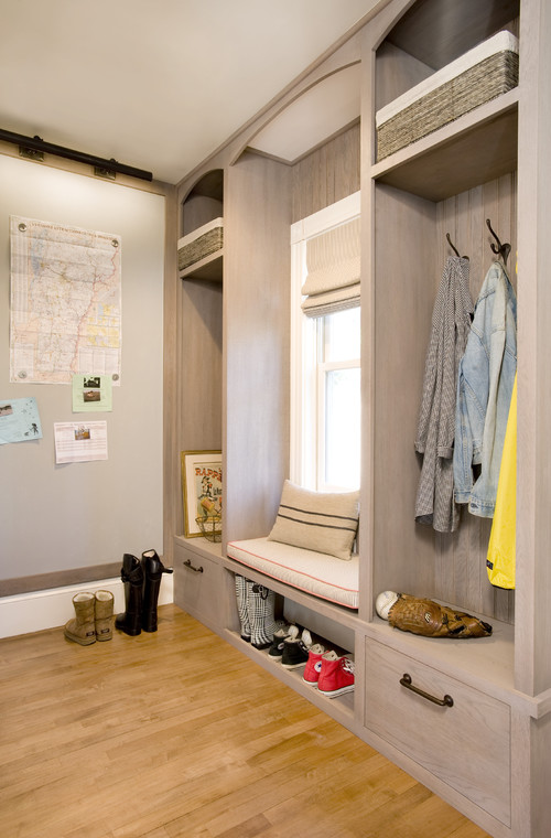 how much does it cost to build a mudroom like this thanks