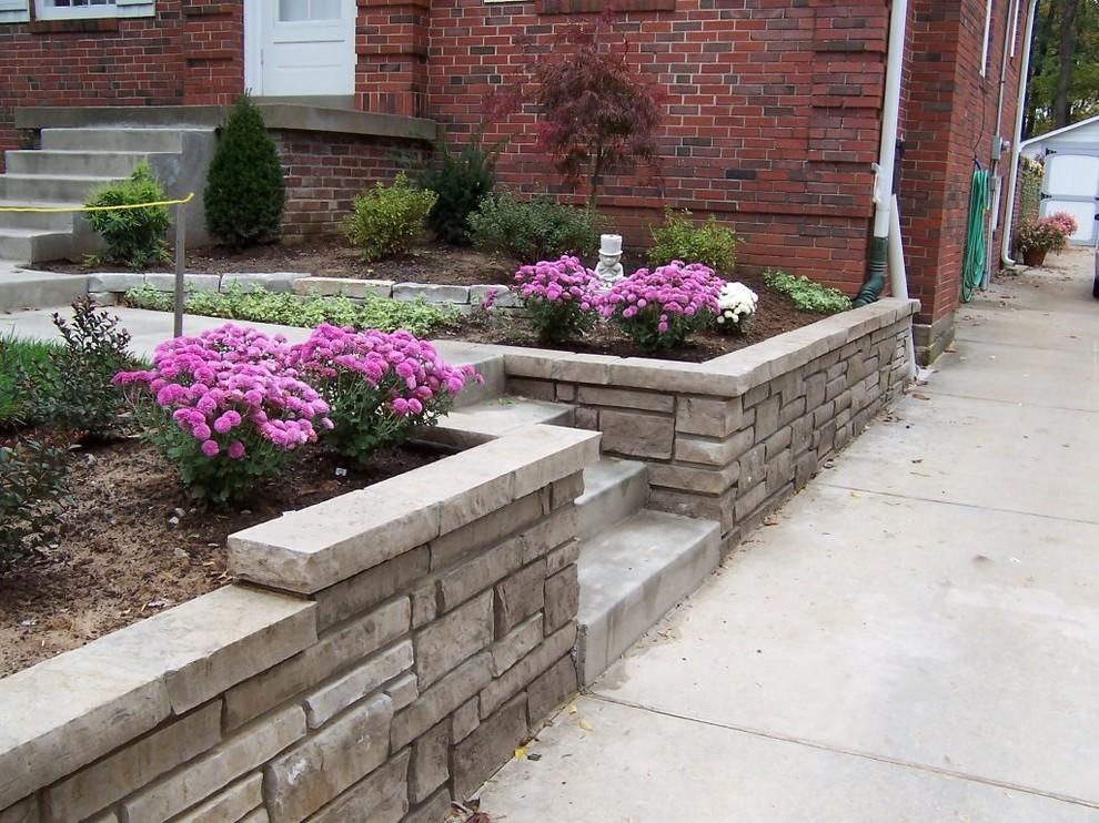 Kirkwood, Missouri stone masonry planter walls