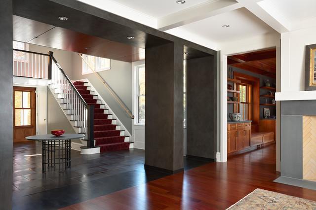 Lake Side Home modern-entry
