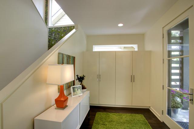 Local Real Estate contemporary-entry
