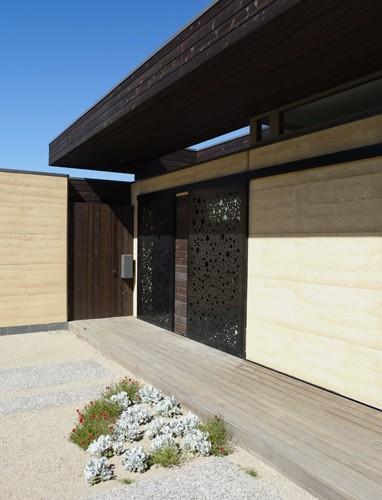 Lockington contemporary-entry
