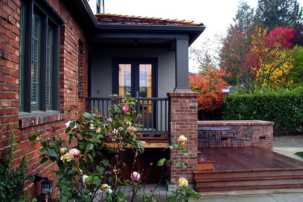 Entryway - traditional entryway idea in Seattle