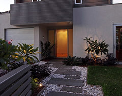 Manly House contemporary entry