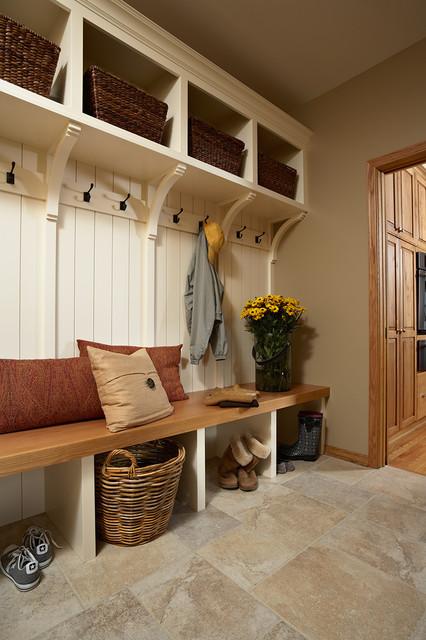 Casa Verde Design transitional-entry