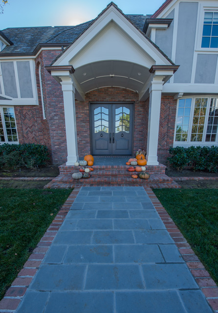 Matching Brick With Bluestone Traditional Entry San