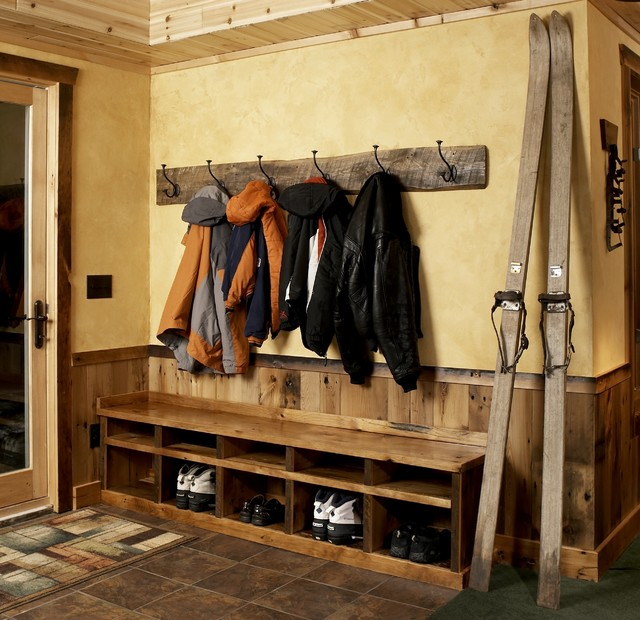 Perfect Free Coat And Boot Rack Image