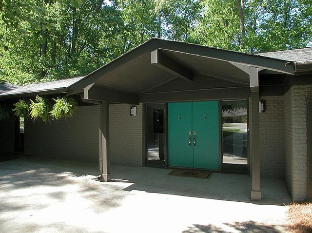 Mid Century Modern Midcentury Entry Atlanta by Epic Development