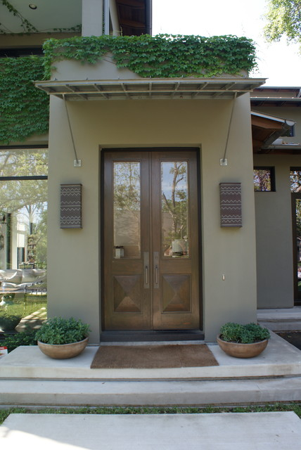 Modern traditional-entry