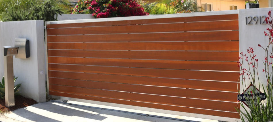 Modern Driveway Gate Clear Redwood Contemporary