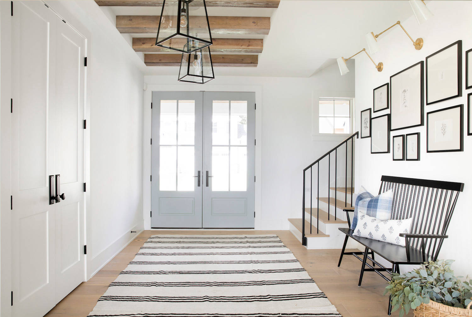 75 Beautiful Farmhouse Entryway Pictures Ideas December 2020 Houzz