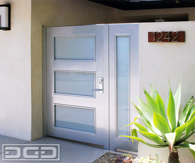 Modern Steel Amp Glass Entry Gates With White Laminate Glass