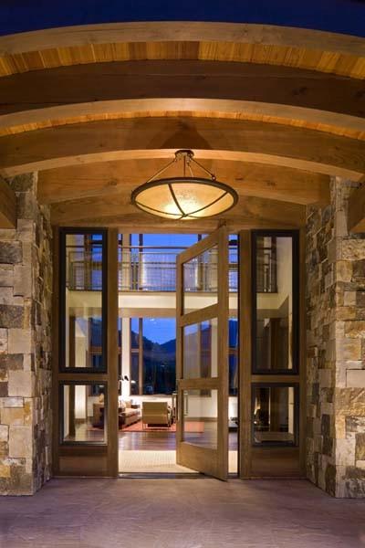 Mountain house entry contemporary-entry