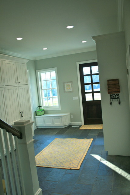 mudroom (2nd laundry room) traditional-entry
