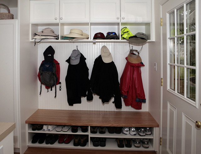 mudroom storage traditional entry