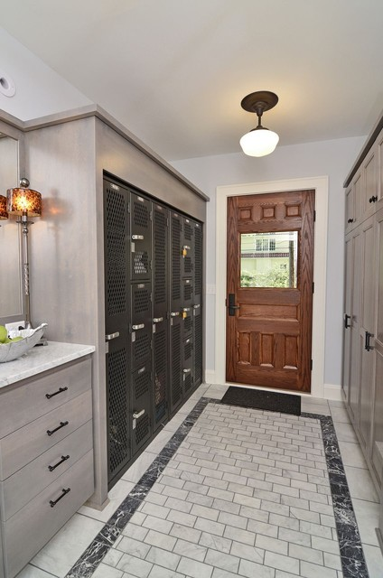 Mudrooms traditional-entry