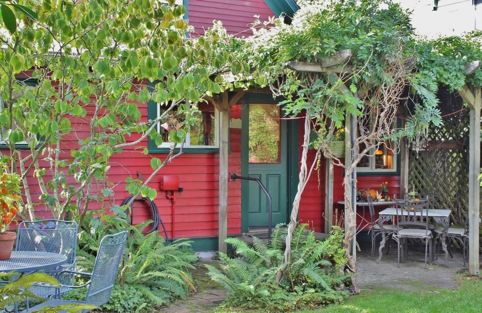 Entryway - eclectic entryway idea in Seattle