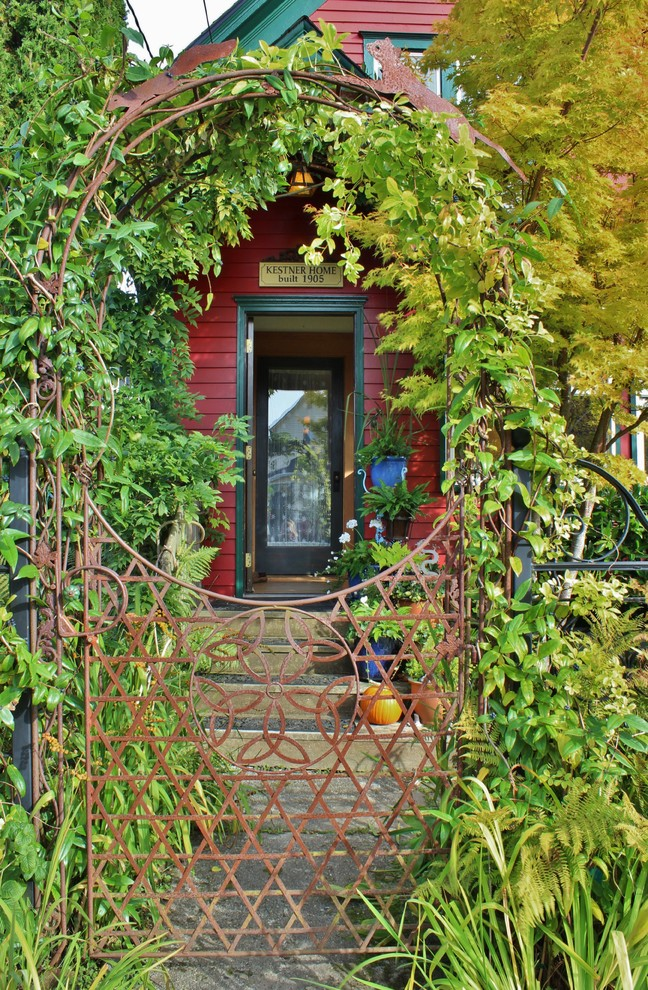 Example of an eclectic entryway design in Seattle
