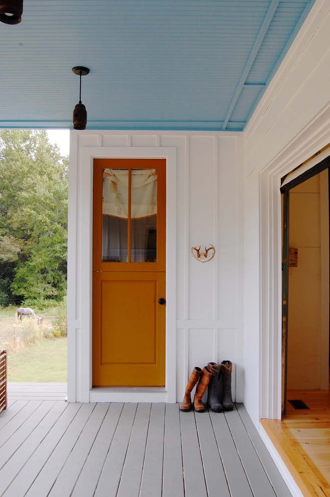 Inspiration for a cottage entryway remodel in New York