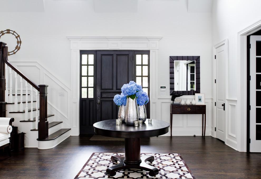 Elegant foyer photo in New York