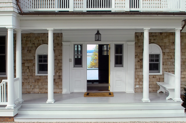 Nissequogue Shingle Style Classic beach-style-entry