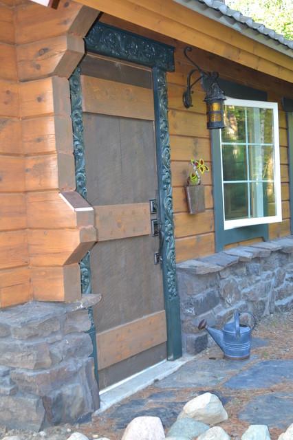 Northern Minnesota Lake Home traditional-entry