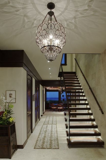 Oceanfront Elegance beach-style-entry