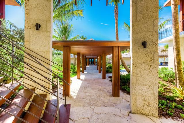 ohana tropical-entry