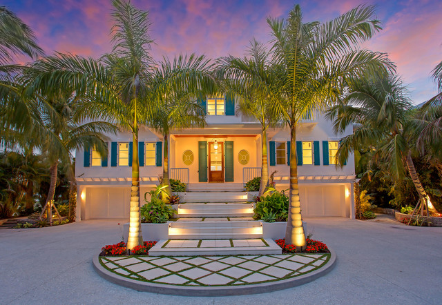 Old Florida meets West Indies beach-style-entry