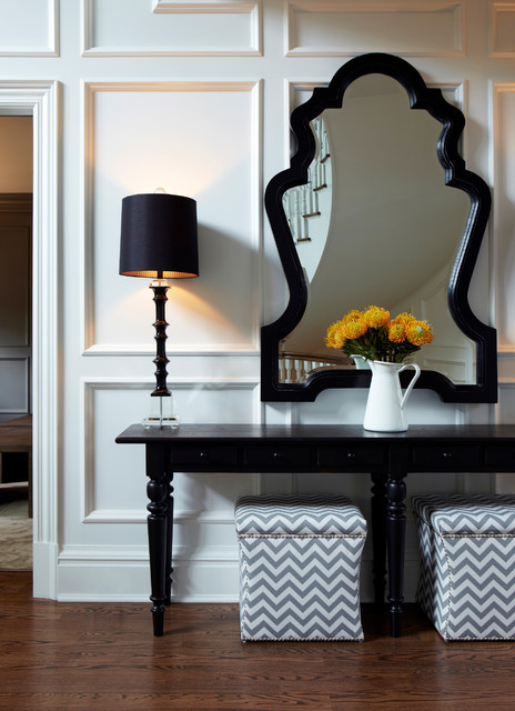 Old Westbury Neoclassical transitional-entry