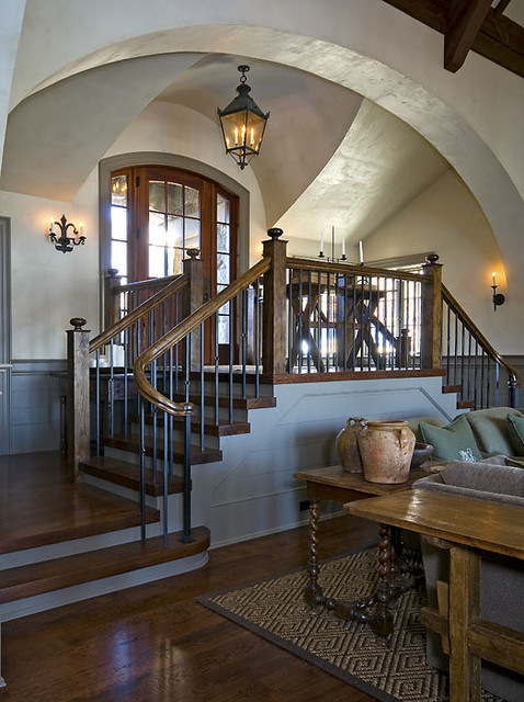 Old World Lakehouse traditional-entry