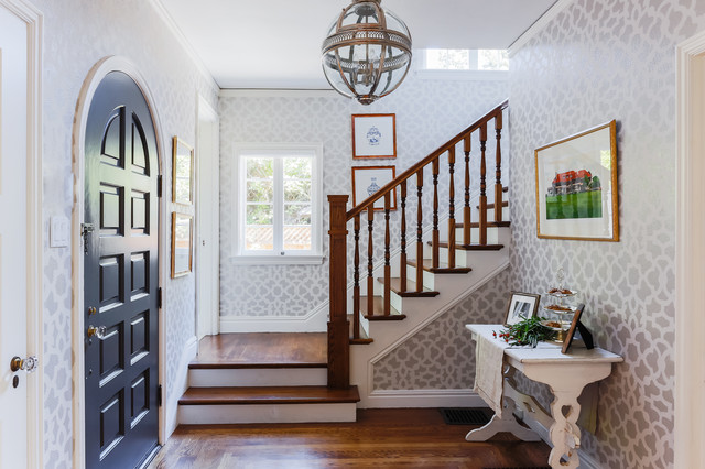 Patterned Entry traditional-entry