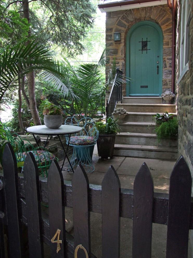 Single front door - mediterranean single front door idea in Philadelphia with a green front door