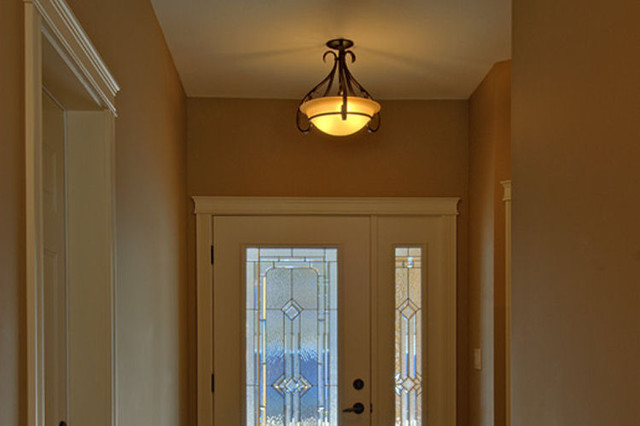 Pineview Estates traditional-entry